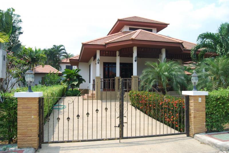Villa Busaba B3 – Holiday Home For Rent In Hua Hin At Manora Village II