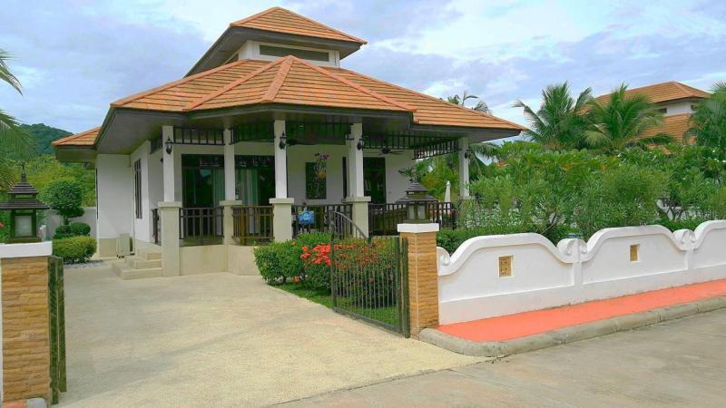 Villa Busaba B9 – Jacuzzi Villa For Rent In Hua Hin At Manora Village I