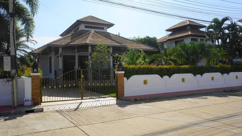 Villa Busaba B1 – Pool Villa For Sale In Hua Hin at Manora Village I