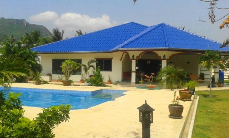Gorgeous 3 Bedroom Pool Villa for Sale in Dolphin Bay, Sam Roi Yot