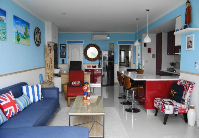 Eigentumswohung im Dachgeschoss mit Golf-und Meerblick zum Verkauf in Hua Hin, Khao Takiab