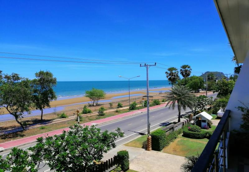 Fully Furnished 2 Bedroom Condo With Sea-Views For Sale, Pak Nam Pran