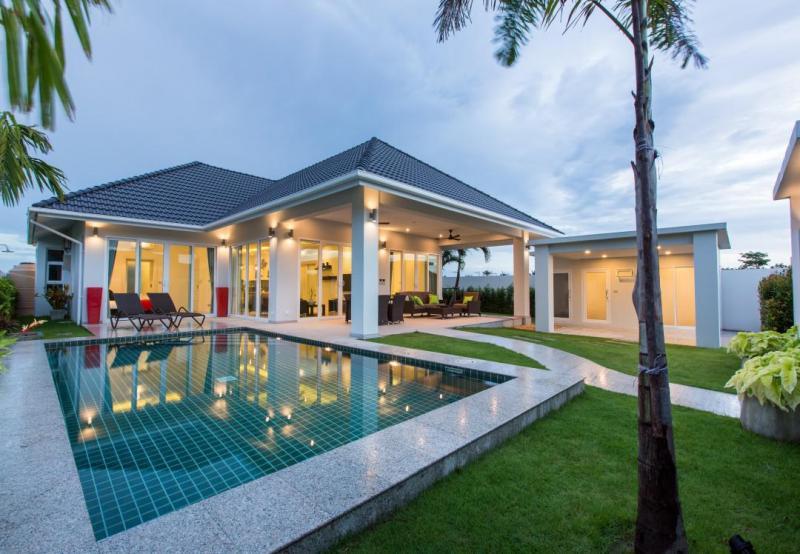 Preisgekrönte luxuriöse Poolvillen mit 2 oder 3 Schlafzimmern zum Kaufen in Hua Hin an ruhiger Lage, Preise ab 7,9 Mio. THB!