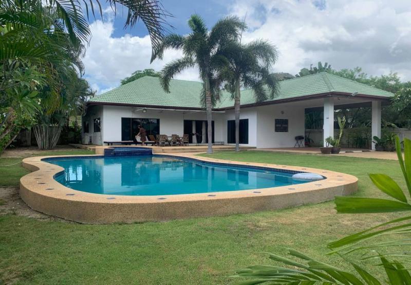 Large 3 Bedroom Pool Villa For Sale On Soi 114, Hua Hin