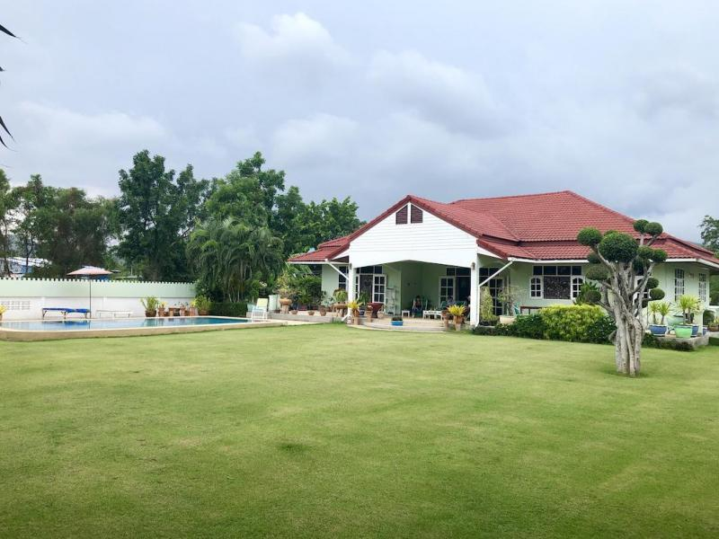 Well-maintained 3 Bedroom Pool Villa For Sale At Bo Fai, Hua Hin