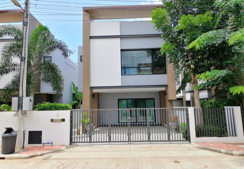 Modern 3 Bedroom House For Sale in Khao Tao, Hua Hin