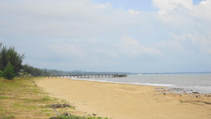 80 Rai of Beachfront Land For Sale in Bang Saphan Noi, near Koh Talu island – 832m of Beachfront!