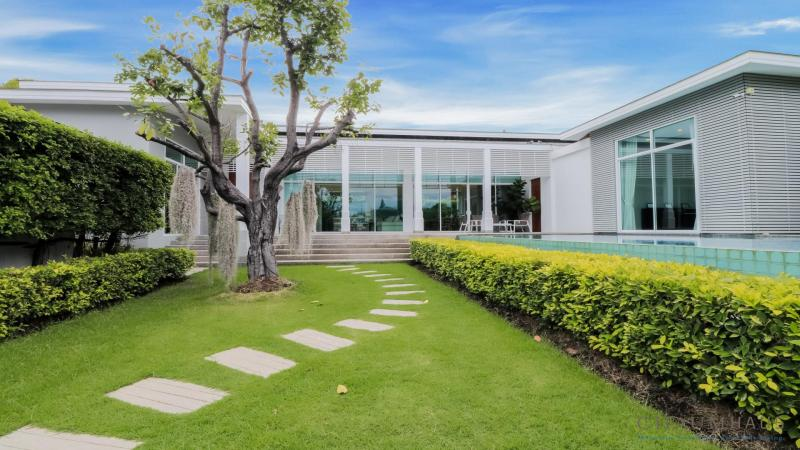 Large 3 Bedroom Pool Villa For Sale, Cha-Am