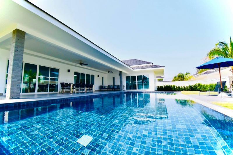Modern 3 Bedroom Villa For Sale Near Palm Hill Golf Course, Cha-Am
