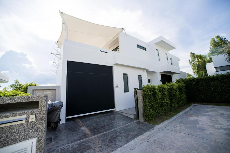 Luxury 2-storey 3 bedroom pool villa for sale at La Lua, Hua Hin – Corner plot & Solar System!