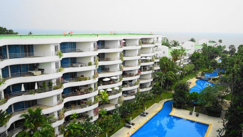 Large 2 Bedroom Condo For Sale In Khao Takiab – 1 km from Hua Hin center & Free Car!