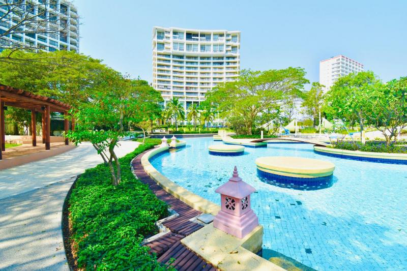 Lovely 1 Bedroom Condo For Sale in Boathouse, Cha-Am – Building B & Corner Unit!