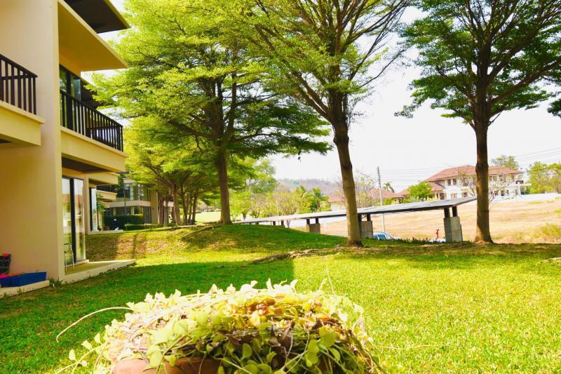 Luxus-2-Zimmer-Wohnung zum Verkauf auf dem Palm Hills Golf Course, Hua Hin