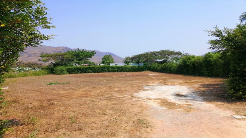 Großes Grundstück zum Verkauf in Baan Ing Phu, Hua Hin – In der Nähe des Black Mountain Golf Club!