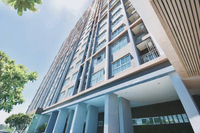 Modern 2 bedroom condo for sale at Baan Kiang Fah condominium, Hua Hin – Corner unit!!