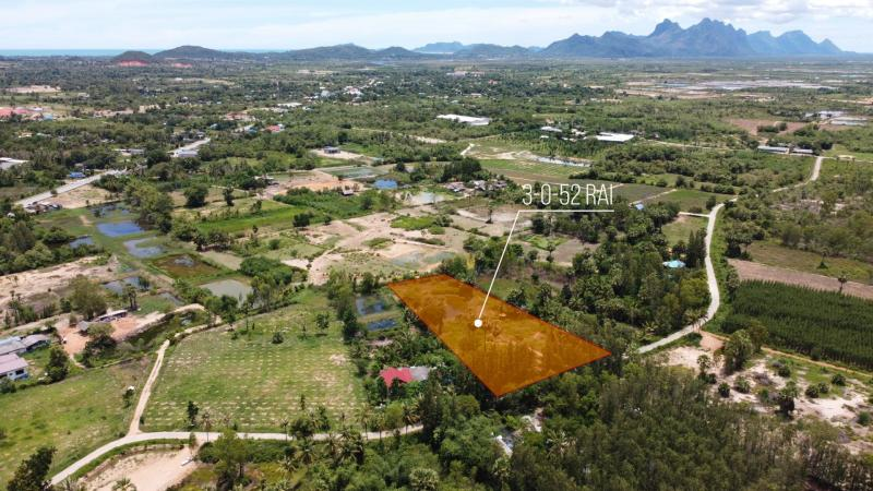 3 Rai of land for sale in Pranburi – with large pond!