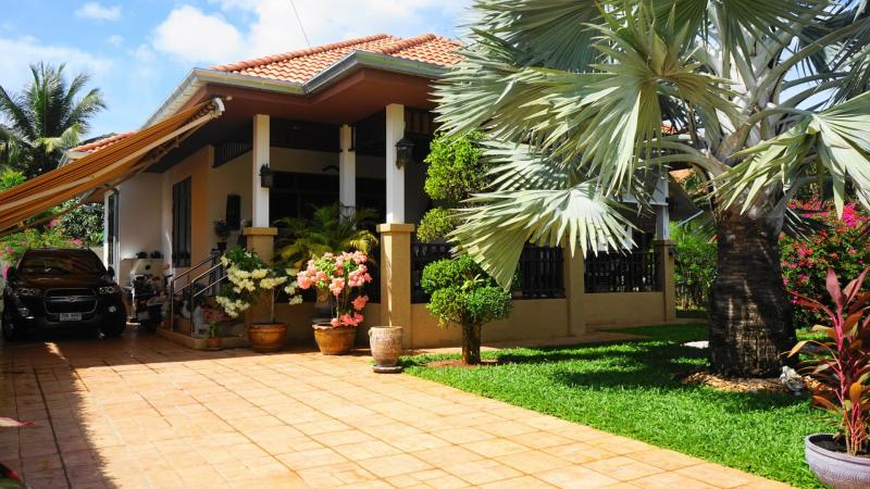 Well-maintained 2 bedroom villa for sale in Khao Tao, Hua Hin – 2 km from Beach!
