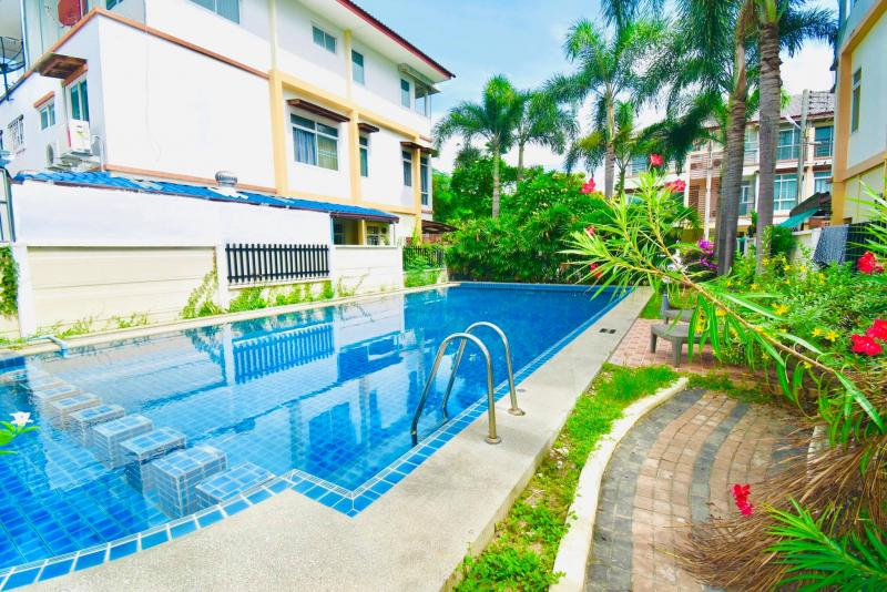 3 story Townhouse in Cha Am for sale , Cha Am