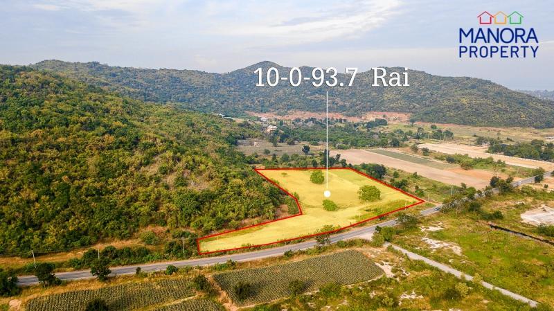 Beautiful plot of 10 Rai land for sale in Pranburi – Only 1.9 kilometers from Beach!
