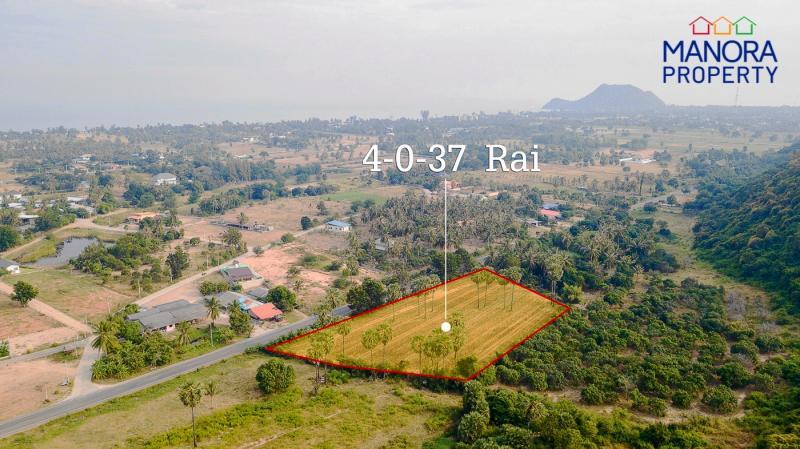 4 Rai land plot for sale in Pranburi – Mountain views & 2 kilometers from Beach!