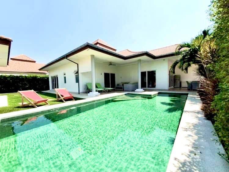 Beautiful 4 bedroom pool villa for sale in soi 112 , Hua Hin