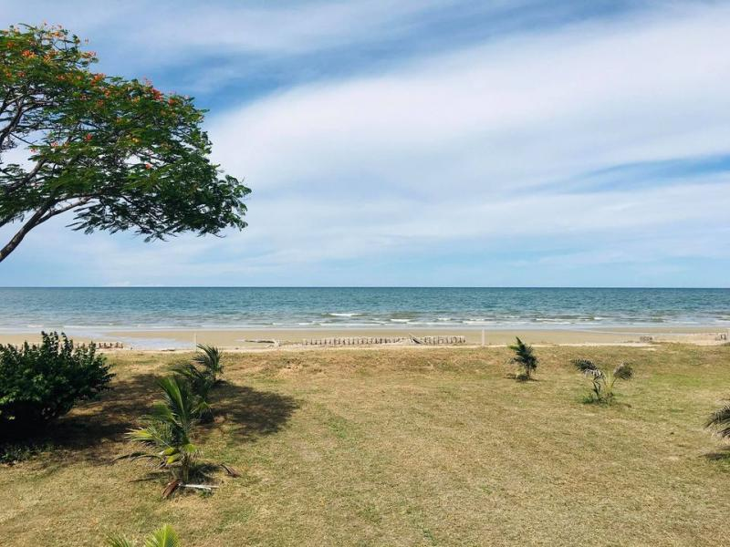 Almost 2 Rai Beachfront land for sale Hua Hin – Near Royal Klai Kangwon Palace!
