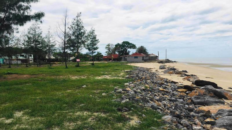 4.5 Rai Beachfront land for sale, Phetchaburi