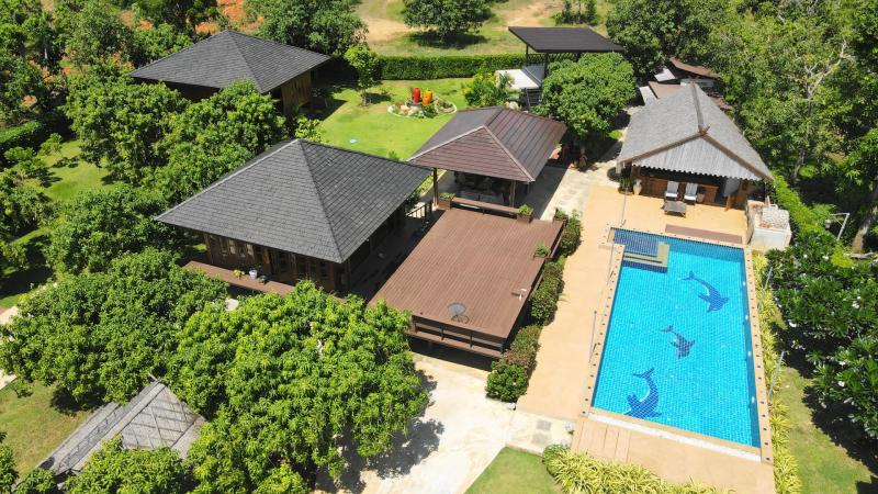 Cozy resort for sale in Sam Roi Yot – Amazing mountain views!